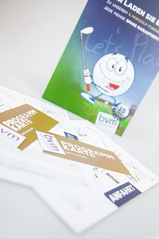 Einladungen A5 mit Sonderfarbe GOLD - gestaltet von MORI Werbung & Fotografie