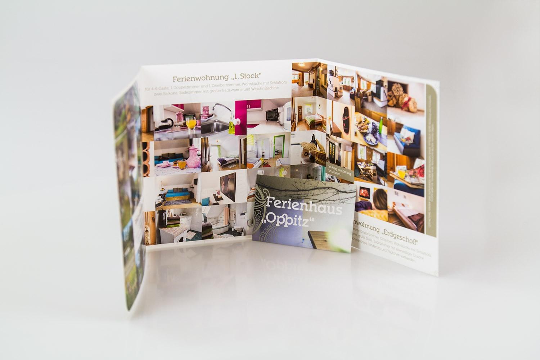 Folder und Visitenkarte gestaltet by MORI Werbung & Fotografie